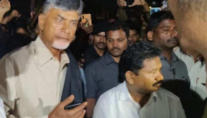 पूर्व सीएम नायडू को हिरासत में लेकर छोड़ा, तेदेपा के 17 विधायक निलंबित