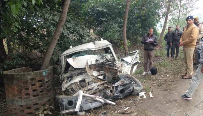 UP: अमेठी में भीषण सड़क हादसा, बोलेरो और ट्रक की टक्कर में 6 लोगों की मौत