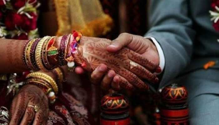 पूर्णिया: पुलिसवालों ने परिजनों को बुलाया थाने, करा दी प्रेमी-प्रेमिका की शादी