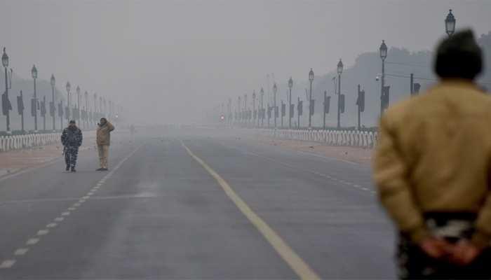 Delhi-NCR Weather : ठंड का सितम जारी, ठंडी हवाओं ने बढ़ाई ठिठुरन