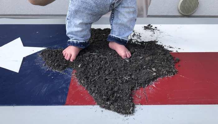 सेना के जवान ने 200 डॉलर में मंगवाई देश की मिट्टी, ताकि बच्चा उसपर रखे पहला कदम