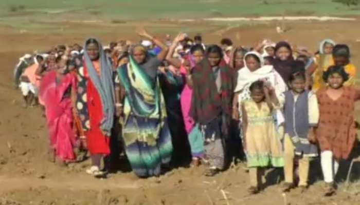 MP: खरमेर नदी पर बन रहे बांध के खिलाफ धरने पर बैठे किसान, मंत्री पर लगाए ये गंभीर आरोप