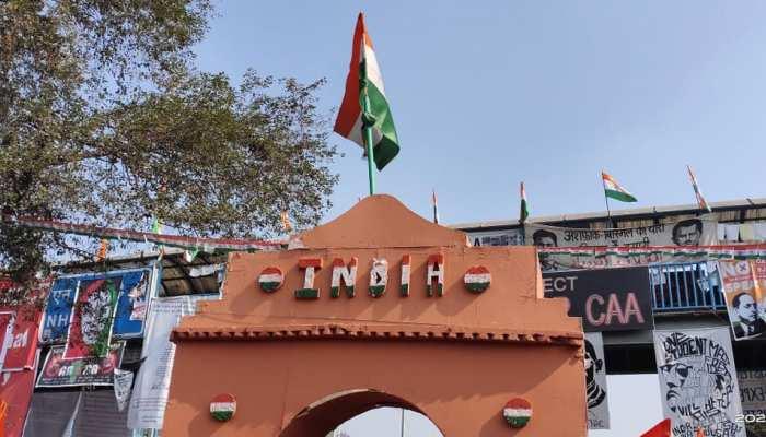 CAA विरोध प्रदर्शन का अड्डा बने शाहीन बाग में मना गणतंत्र दिवस, फहराया गया तिरंगा