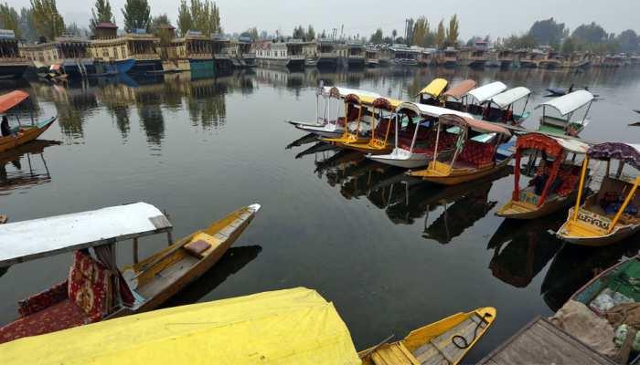 कश्मीर में शीतलहर जारी, कई जगहों पर पारा शून्य से नीचे पहुंचा