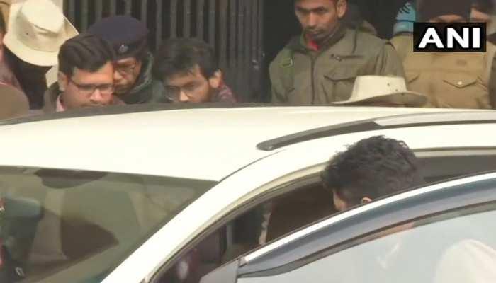शरजील को दिल्ली लाते वक्त पटना एयरपोर्ट पर पुलिस और सहाफियों में हाथापाई, 4 ज़ख्मी