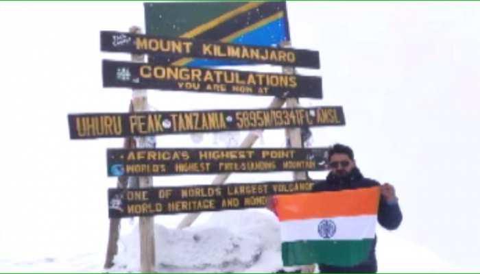 सीकर के अनिल कुमार ने रचा इतिहास, अफ्रीका के किलीमंजारो पर्वत पर फहराया तिरंगा
