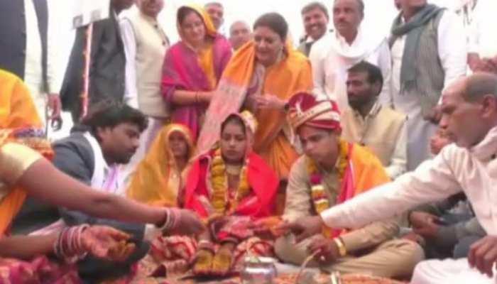 दौसा: सामूहिक विवाह में एक हुए 38 जोड़े, मंत्री ममता भूपेश ने कहा...