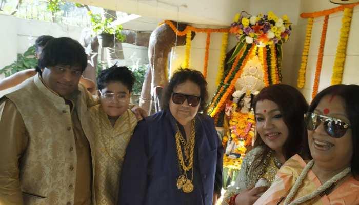 VIDEO: बसंत पंचमी पर कुमार सानू और बप्पी लहरी ने की सरस्वती पूजा, यूं मनाया त्योहार