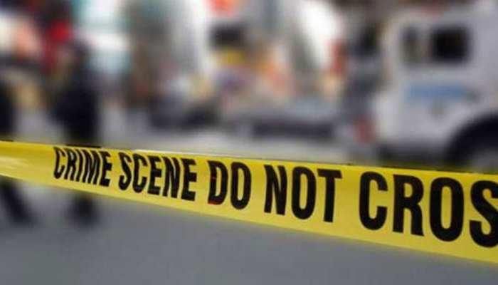 UP: नशेड़ी पति से तंग आकर महिला ने 4 बेटियों संग खाया जहर, सभी की मौत