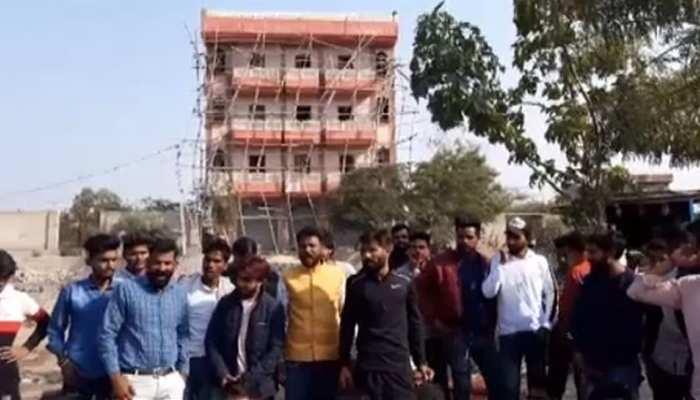जयपुर: सरकारी नाले पर पुल बनाने के खिलाफ लोगों ने किया प्रदर्शन...