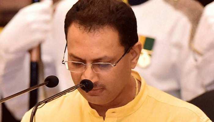 महात्मा गांधी की आलोचना करने पर अनंत हेगड़े को कांग्रेस ने घेरा, कहा- बापू को देशप्रेम का सर्टिफिकेट...
