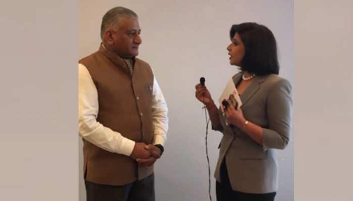 #IndiaKaDNA: 'परदे के पीछे' की बातचीत में जनरल वीके सिंह ने केजरीवाल को पढ़ाया देशभक्ति का पाठ