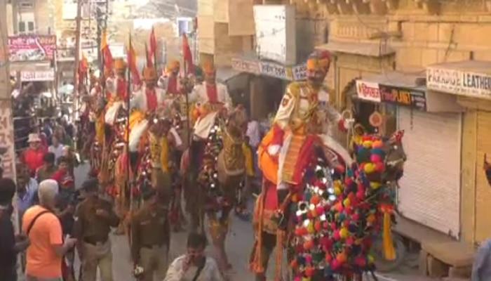 जैसलमेर: अंतराष्ट्रीय मरु महोत्सव का आगाज, दुल्हन की तरह पोकरण