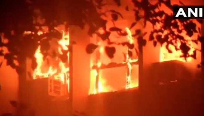 मुंबई के मालाबार हिल्स की बिल्डिंग में लगी आग