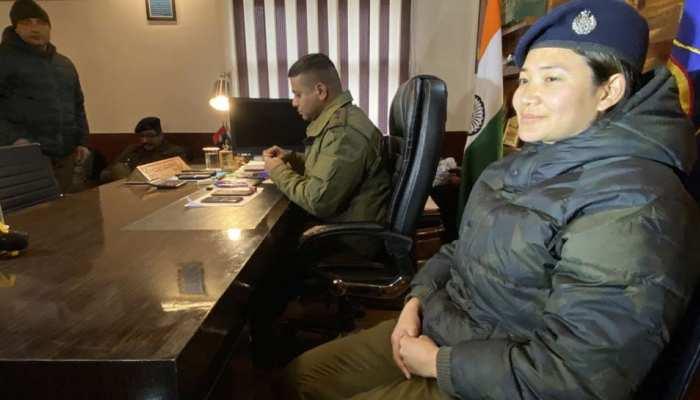 कश्मीर में इस महिला DSP ने तोड़ दी ड्रग्स माफिया की कमर, पत्थरबाजों पर ऐसे कसी नकेल