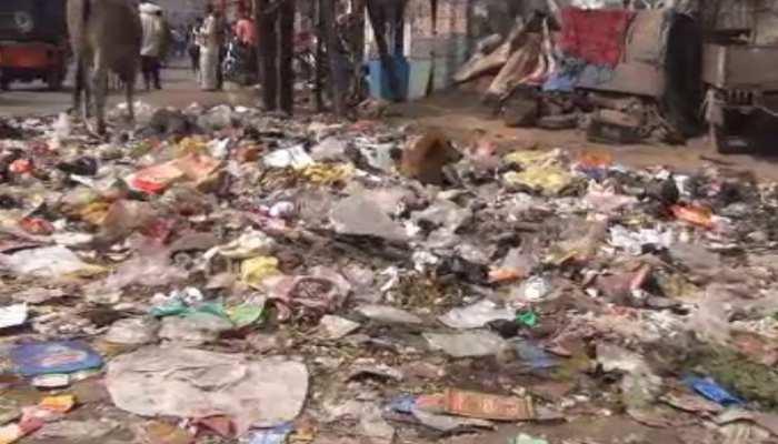 बिहार: सफाई कर्मियों की हड़ताल जारी, नगर आयुक्त ने लगाया बड़ा आरोप