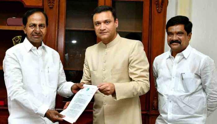 हैदराबाद के सिंहवाहिनी मंदिर को लेकर तेलंगाना के CM से मिले ओवैसी, कर डाली ये बड़ी मांग