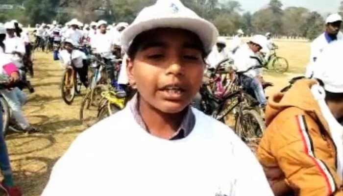 बिहार: 'आओ साइकिल चलाएं' कार्यकम का हुआ आयोजन, छात्रों को दिलाई गई ईंधन बचाने की शपथ