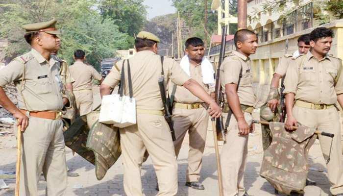 फिरोजाबाद: रेप पीड़िता के पिता की गोली मारकर हत्या, पुलिस ने एनकाउंटर में आरोपी को पकड़ा