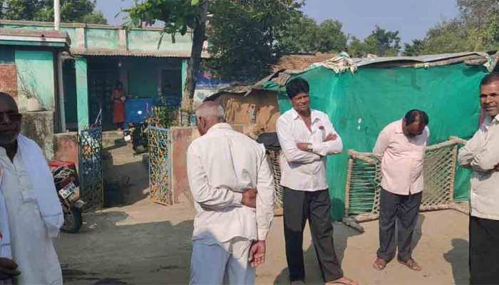 पुलवामा हमला: एक साल बाद भी शहीद के परिवार को है सरकारी मदद का इंतजार