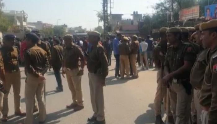 जयपुर: बीजेपी कार्यकर्ताओं को डंडे पड़े तो कांग्रेस नेता ने पुलिस को दिया धन्यवाद