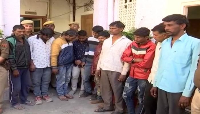 जयपुर: देह व्यापार का भांडा फोड़, 17 लड़कियों समेत 27 लोग गिरफ्तार