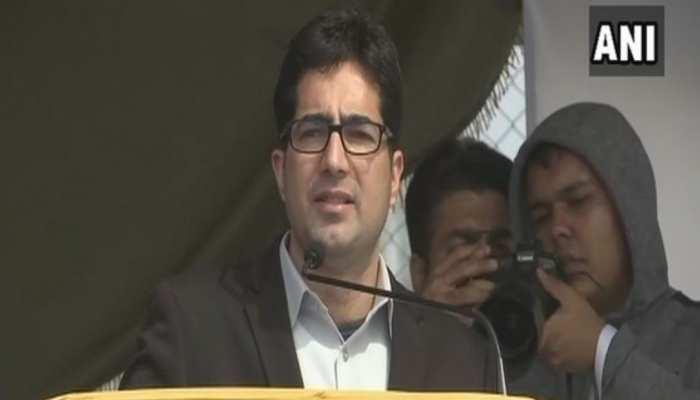 पूर्व आईएएस शाह फैसल पर लगा PSA, हिरासत में लिए गए