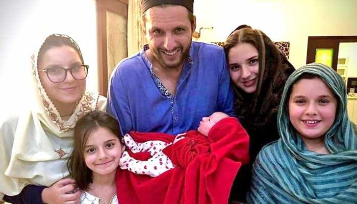 शाहिद अफरीदी बने 5वीं बेटी के पिता, शेयर की PHOTO; बोले- 'ऊपरवाले की कृपा है मुझ पर'
