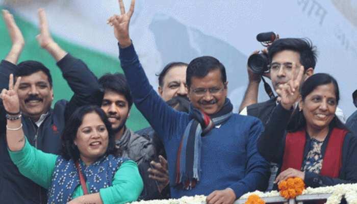 केजरीवाल का शपथ ग्रहण समारोह: 'दिल्ली के निर्माता' होंगे VIP गेस्ट, यहां जानिए क्या है तैयारी