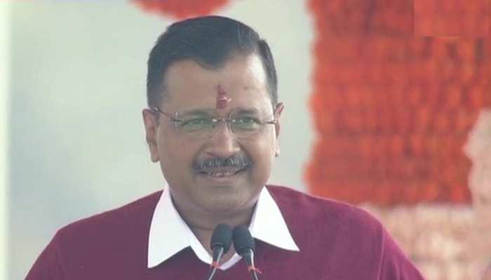 तीसरी बार दिल्ली का सीएम बने अरविंद केजरीवाल, 6 मंत्रियों ने भी ली शपथ
