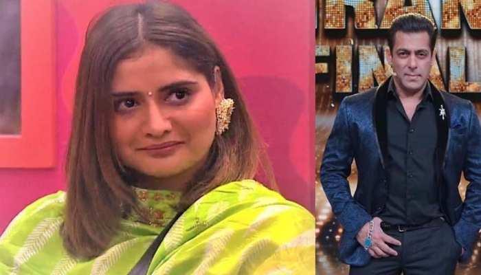 पूर्व PM मनमोहन सिंह के नाम पर फंस गईं गोविंदा की भांजी, सुन रही हैं खरी-खरी