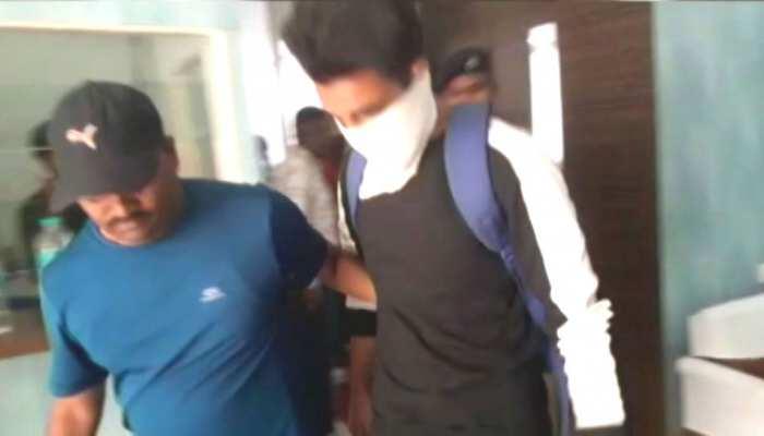 देशद्रोह के आरोप में गिरफ्तार तीनों कश्मीरी छात्र रिहा, पुलिस ने इस वजह से छोड़ा