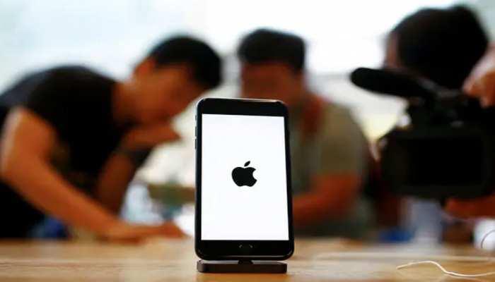 iPhone पसंद करने वालों के लिए बुरी खबर, कोरोना वायरस की चपेट में है Apple!