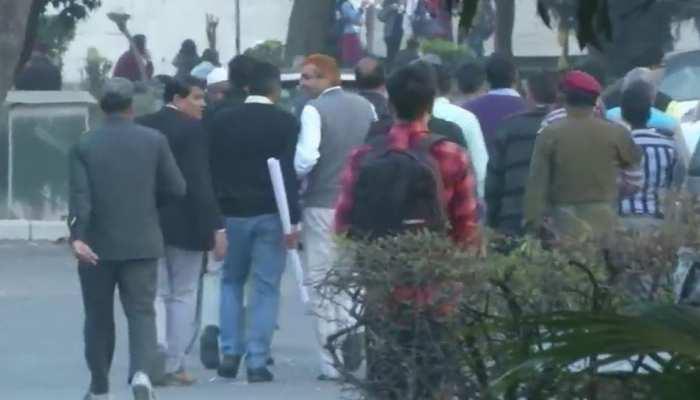 जामिया के वीडियो से मची खलबली, दिल्ली पुलिस की SIT पहुंची यूनिवर्सिटी