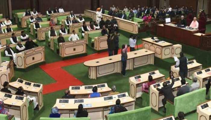 राजस्थान विधानसभा में उठा मोर पंखों के उपयोग का मुद्दा, वन मंत्री बोले...