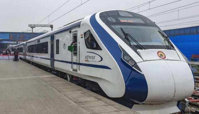 वंदे भारत एक्सप्रेस का 1 साल हुआ पूरा, भारतीय रेल को कराई इतनी बंपर कमाई