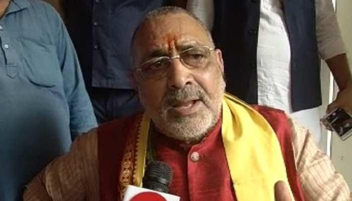 ओवैसी के साथ कांग्रेस-RJD से गिरिराज ने पूछा- क्या आप भारत को पाकिस्तान बनाना चाहते हैं