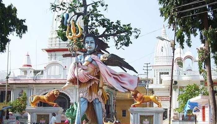 खराब मौसम के बावजूद हरिद्वार के दक्षेश्वर महादेव मंदिर में उमड़ा भक्तों का जनसैलाब