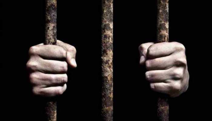 4 साल पहले बेटी से की थी घिनौनी हरकत, पॉक्सो कोर्ट ने सुनाई 10 साल की सजा