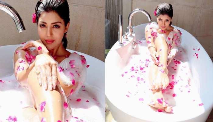 TV Actress Debina Bonnerjee bold photoshoot in bathtub latest instagram photos viral