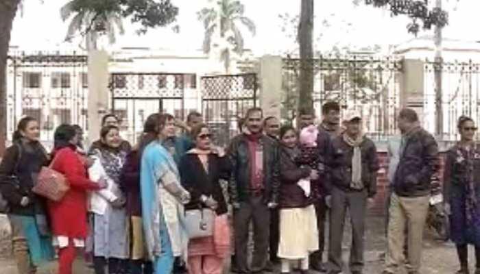 बिहार: स्कूलों में ठप हुई पढ़ाई, हड़ताल की वजह से विद्यार्थियों की उपस्थिति कम