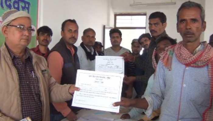 बिहार: श्रम अधिकार दिवस का हुआ आयोजन, मजदूरों को सरकार की योजनाओं की दी गई जानकारी