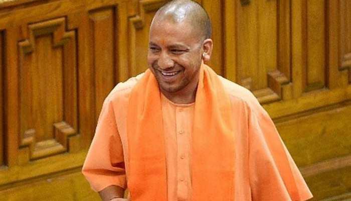 CM योगी ने विपक्ष को लिया आड़े हाथ, कहा ''ऐसे बोलते हैं जैसे सत्यवादी हों, हंसी आती है''