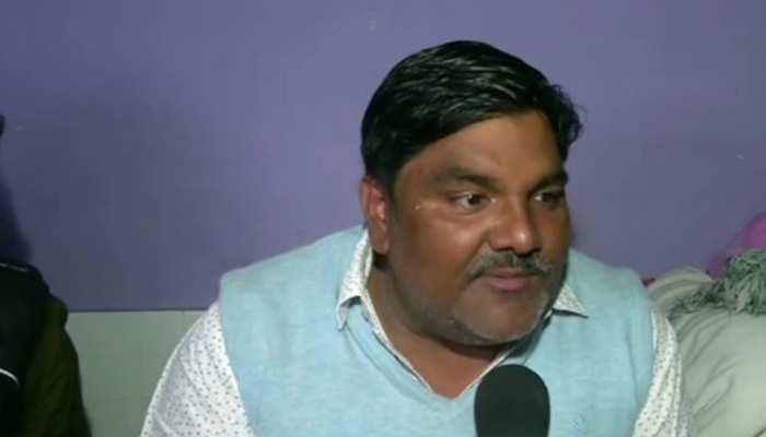 अंकित शर्मा की हत्या के आरोपी ताहिर हुसैन से AAP ने किया किनारा, पार्टी ने जांच पूरी होने तक किया सस्पेंड