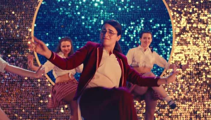 VIDEO: छा गया  'अंग्रेजी मीडियम' का गाना, देखकर आप भी कहेंगे- 'नचन नू जी करदा'