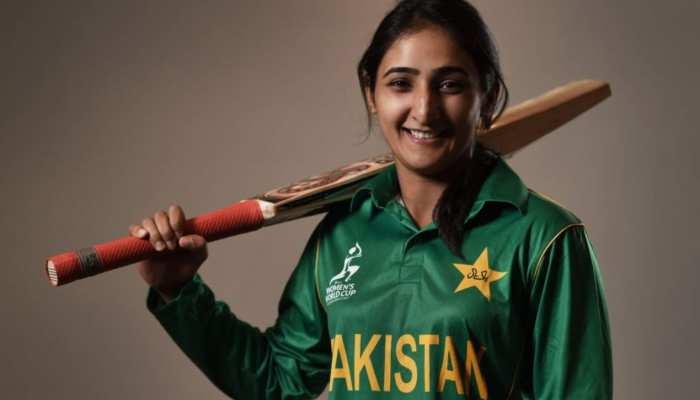 पाकिस्तान को झटका, ये खूबसूरत खिलाड़ी हुई महिला टी-20 वर्ल्ड कप से बाहर
