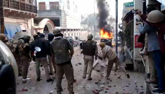 CAA Protest: लखनऊ के कैसरबाग और ठाकुरगंज इलाके में हुई हिंसा के मामले में रिकवरी के आदेश