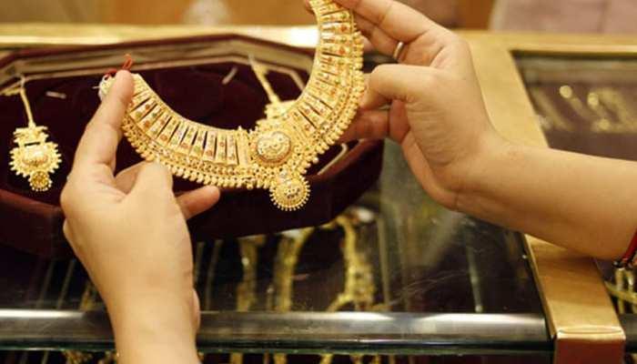 रिकॉर्ड तोड़ महंगा हुआ सोना, जानिए कितना चढ़ा दाम