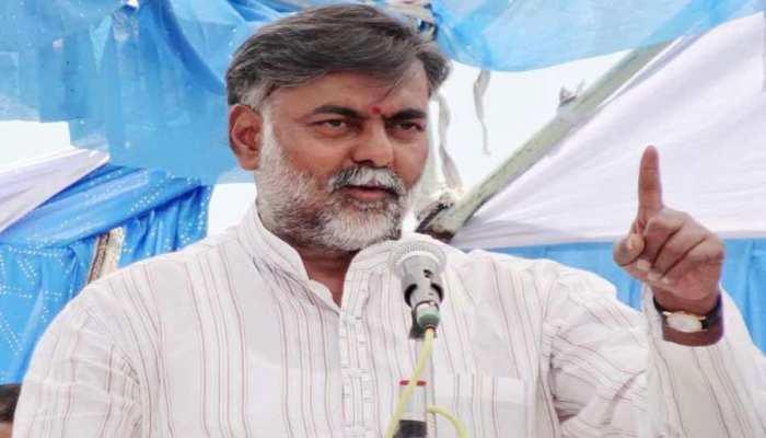 सियासी खींचतान पर केंद्रीय मंत्री का तंज, कहा- कोरोना से ज्यादा खतरनाक है कमलनाथ सरकार