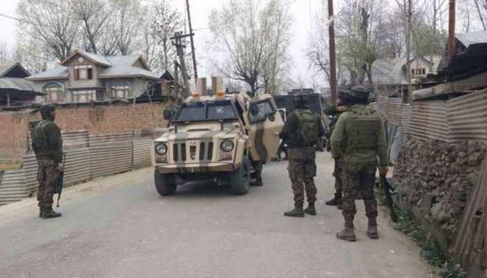 श्रीनगर में आतंकियों ने पुलिस थाने के बाहर ग्रेनेड फेंका, 1 की मौत